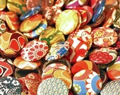 30 QTY // 1 Inch (25mm) Pin Back OR Flat Back Buttons with Vintage Wallpaper and Fabric Patterns