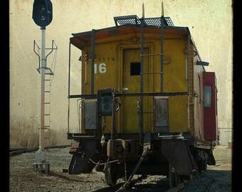 8x8 No. 16 Caboose TTV - Home Decor