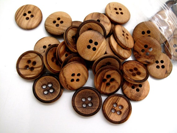 Buttons Medium Primitive Wood Mix x50 18mm is 0.75inch