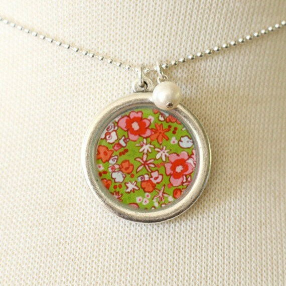Necklace - Green Meadow - With Pearl Charm