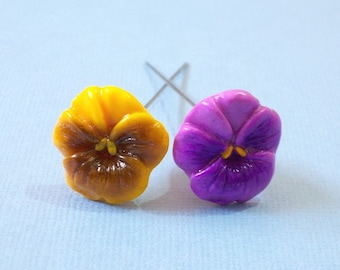 Set of 2 Pansies Sewing Pin Topper - Yellow, Violet, flower pin topper, Pansies pin topper, polymer clay pansy, polymer clay pin topper