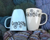 Ceramic Mug with Calligraphy for Knitters - Knitidiot