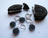 Oreo Cookie Non-Snag Stitch Markers