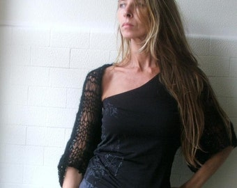 Black shrug / Black kimono sleeved shrug ltd edition in this shade
