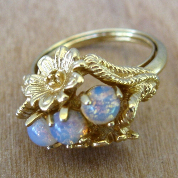 Ring Vintage Gold And Fire Opal Avon Adjustable By