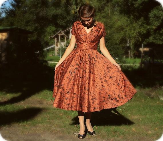 Vintage 50s Novelty Print Dress /Brown Full Skirt 50s Swing Dress / Small