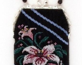 Lily ( Crocheted Beaded Purse Pattern ) PDF Digital Download