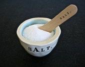 salt bowl (light blue).