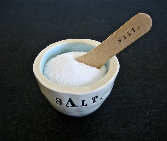 salt bowl (light blue).