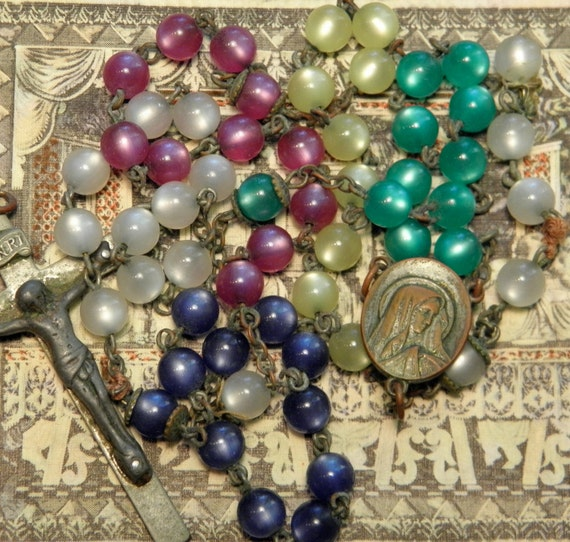 Vintage Reuse Lucite Rosary Chain