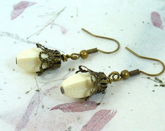 Vintage Style White Etched Beaded Earrings VE-014