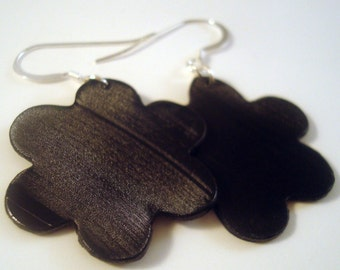 Black recycled record vinyl flower earrings
