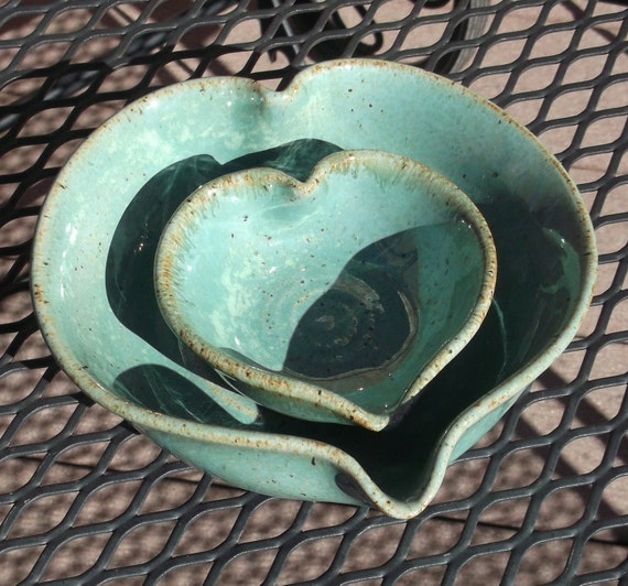 Set of two Heart Shaped Bowls - ROBIN - Handmade Pottery by The Weel and I