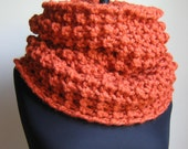 The Incognito Chunky knit cowl - Orange