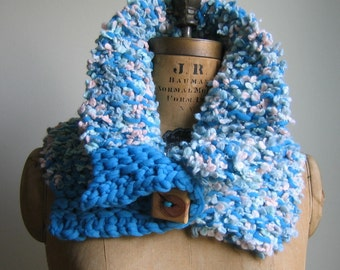 Cyber Monday SALE!! Chunky knit cowl Turquoise. Peach. Wooden Button.