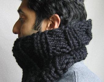 The Man knit cowl black