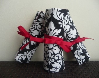 A Wedding Occassion BW Damask Bridesmaids Gifts - Set of 4 Travel Jewelry Roll Pouch or Organizer