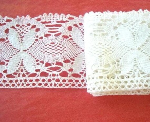 Vintage lace, 2 yards, 3 inch wide cotton bobbin lace