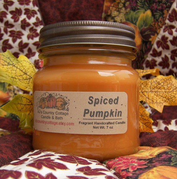 SPICED PUMPKIN CANDLE - Highly Scented - Strong