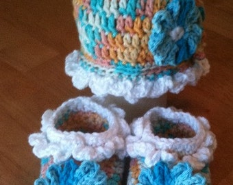 Sunshine and Flowers Newborn to 3 Months  Hat and Booties