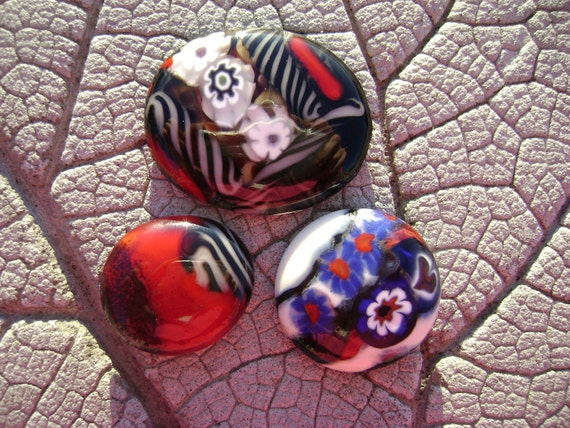 Mini ART GLASS Magnets by Cherie Sra R114 Fused Art Glass Magnets Red and Black