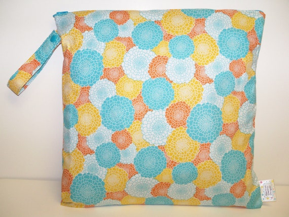 Medium Wet Bag - Wet Bag - 14 X 14 - Fruity Blossoms