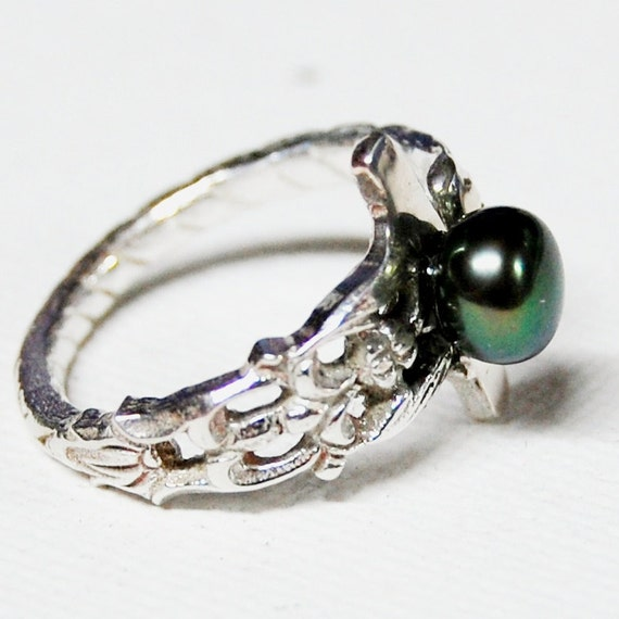 Black Pearl Sterling Silver Spoon Ring Size 6