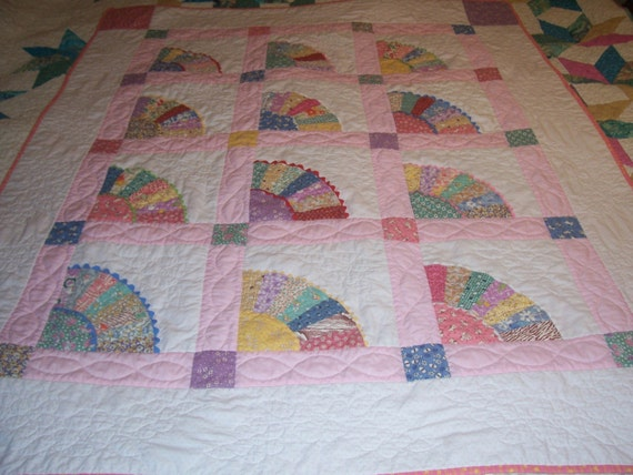 Lap Quiltold Fashioned Fan Quilt Pattern In Pinks And 1930