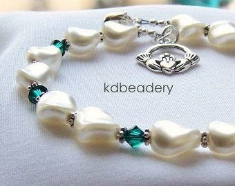 Aine. Swarovski Pearl Twist Bracelet. Emerald Crystal, Claddagh. Bridal.