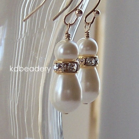 Swarovski Teadrop Pearl and Gold Earrings. Ivory. Gold Filled. Bridal.