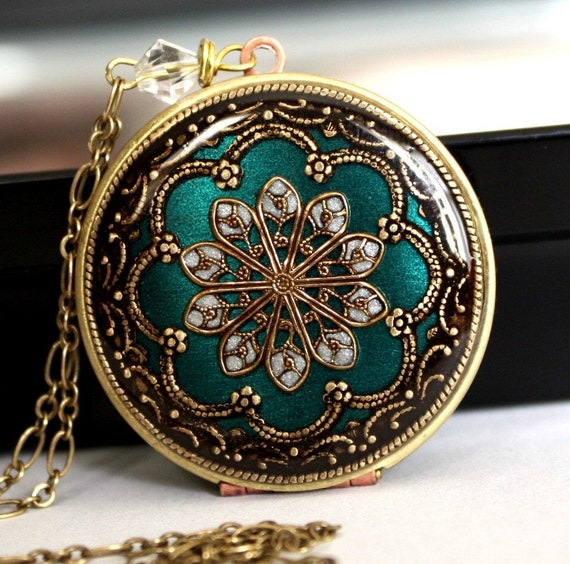 Locket, Vintage locket, filigree necklace, picture locket, bridal necklace, something blue necklace, wedding necklace