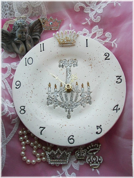"""Wall Clock Ceramic 8"""" Round with a Crown and Glitter Chandelier Design"""