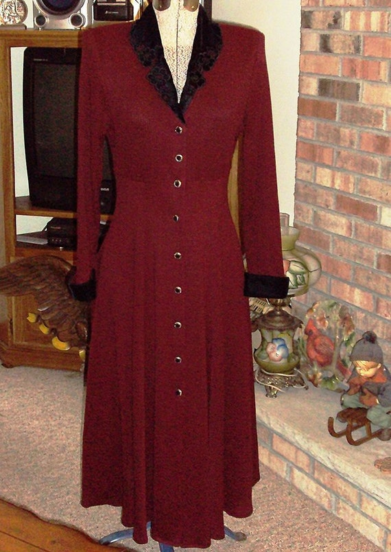 1980s JSJ Petites Woman's Button-down Maxi Dress Velvet Trim Size 12 Red & Black