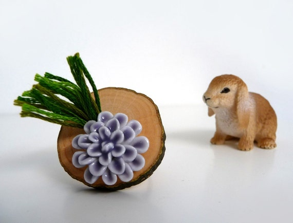 Wood Slice Adjustable Ring with Lavender Ceramic Flower and Cotton Green Grass - Handmade - GRASS FLOWER