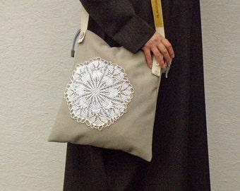 Large Shoulderbag. Vintage German Woollen Loden Fabric. Beige Messenger with Vintage Doilies. Zipper Closure.