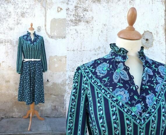 1970 dress Floral prairie dress size M/L