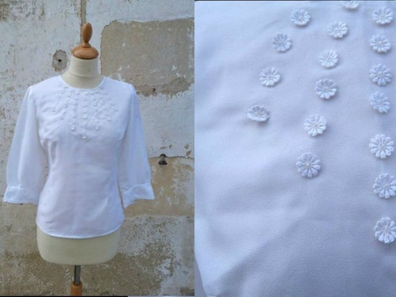 1960 white nylon blouse with little flowers daisys size S