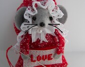 Cissy..A Needlepointing Valentine Mouse
