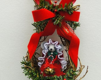 Woodland Nest with Christmas Mouse