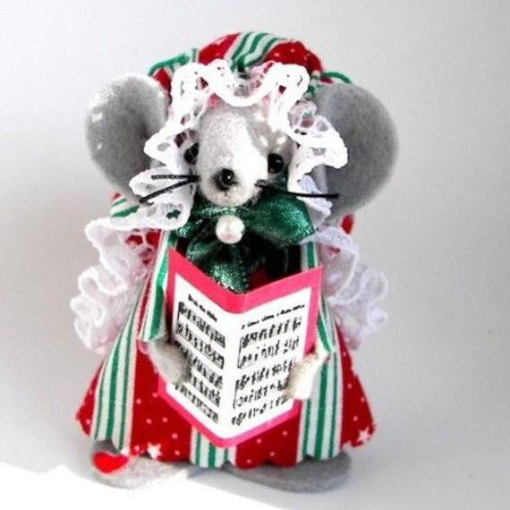 Christmas Ornament Felt Mouse  Caroler Mouse Musical Felt Mouse Tree Ornament Singer