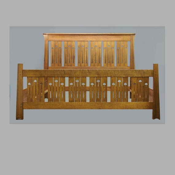 Arts and crafts mission king bed keyhole mackintosh style for Arts and crafts beds