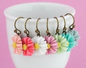 Daisy Earrings, Spring Jewelry, Choose Your Color, Dangle Earrings, Spring Fashion