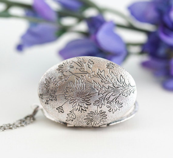 Mother's Day Gift, Silver Locket Necklace, Oval Silver Etched Floral Locket Necklace, Spring Fashion