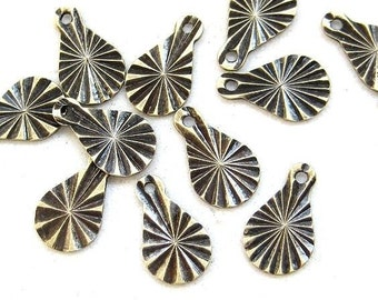 30pc Antique Bronze brass drops D503