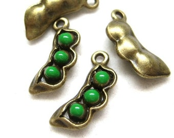 10pcs Antique Bronze pea pod charms CH489