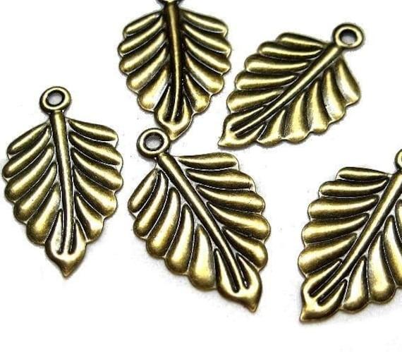 100pc Antique Bronze leaf pendant charm drops D505