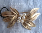 Vintage Gold Brooch with Pearl Center