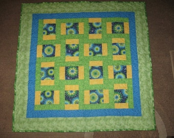 baby quilt-green and yellow