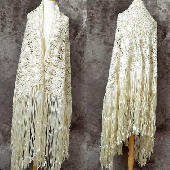 Vintage shawl Crochet Ribbon rayon fringe Ivory Wedding 1960s 70s macrame