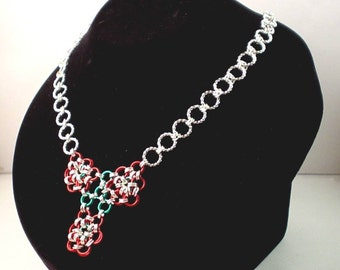 Three Flowers Chainmaille Necklace